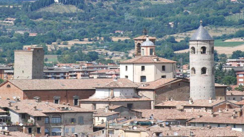 Bagno di Romagna - Città di Castello - ITINERARI IN AUTO, TRENO E BUS
